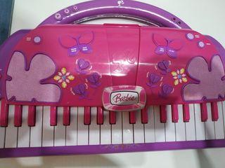 Teclado piano nuevo Barbie