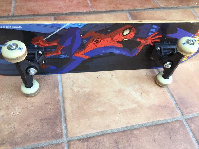 Skateboard Spiderman nuevo