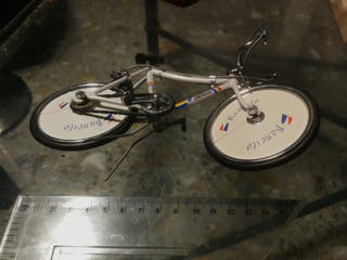 Bicicleta miniatura réplica Indurain.