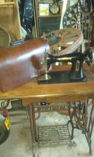 Máquina de coser antigua.