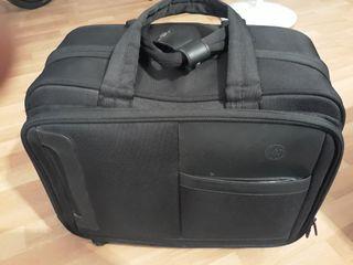 maletin de viaje con porta ordenador portatil