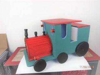 Precioso tren de madera hecho a mano restaurado, a