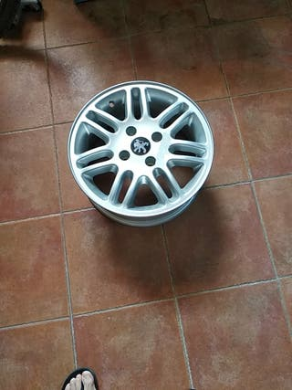 1 llanta de aluminio de Peugeot de 15 pulgadas