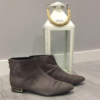Botines Zara color topo, talla 40