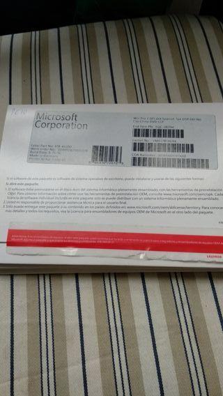 Windows 7 Pro. CD de instalación con licencia.