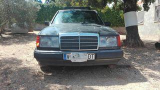 Vendo Mercedes-Benz W124