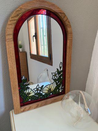 Espejo con vidriera hecho a mano