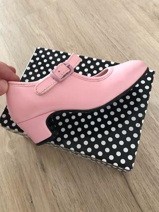 Zapatos de tacón flamenca niña