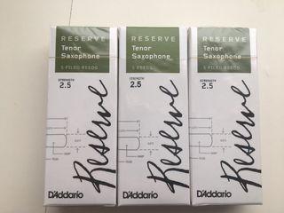 3 cajas de cañas Reserve 2.5 para saxo tenor