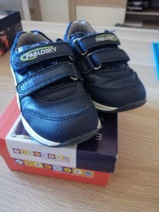 Zapatillas niños. Pablosky número 23