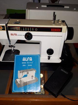 Maquina de coser Alfa 3242,Zig zag