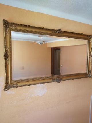 Espejo de salón retro