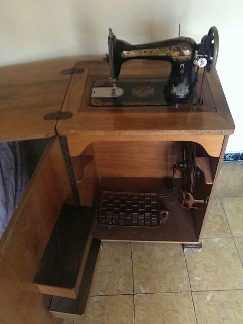 máquina de coser Singer muy antigua