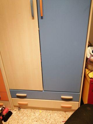 armario dos puertas y dos cajones