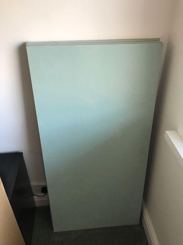 5 Moisture resistant square edge plasterboards