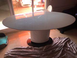 Mesa de comedor blanco brillo