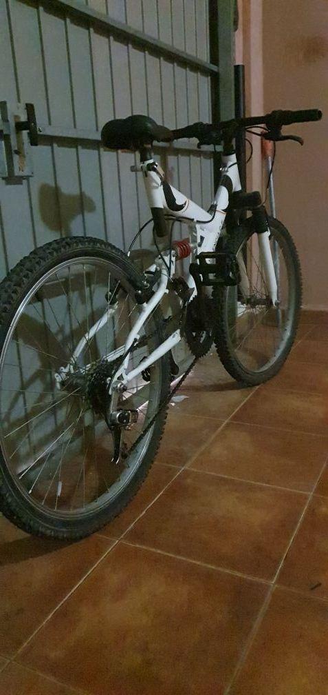 "Bicicleta del Valencia de 24""."