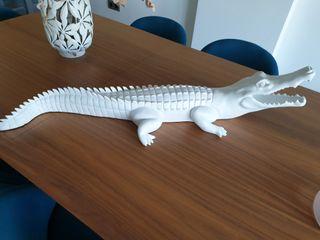 Figura decorativa cocodrilo.