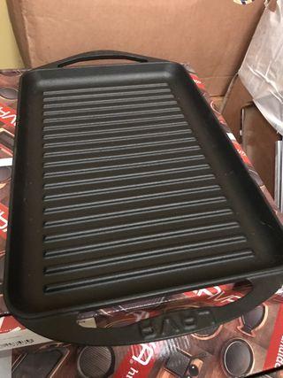 Grill hierro fundido y plato para barbacoa