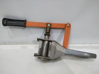 Antiguo Encorchador Manual Sanbri