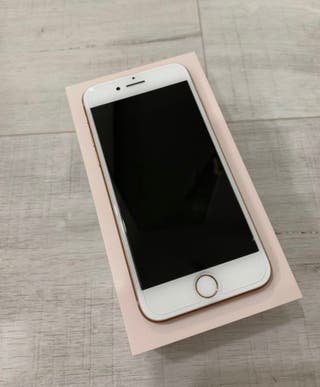 Cambio Iphone 8 gold. 8 meses