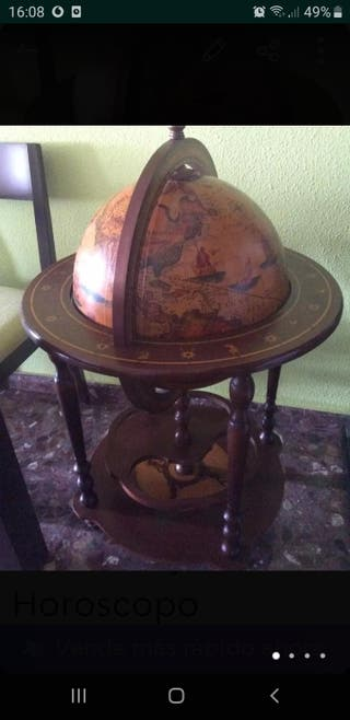 Mueble Bar Bola Del Mundo Con Dibujos De Horoscopo