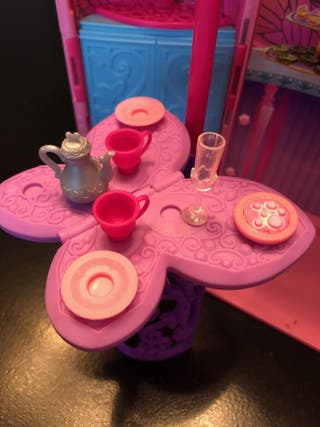 Castillo de Hadas Barbie y vestidor