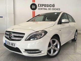 Mercedes Clase B 180 CDI BE Pack Sport / Navi / Bixenon / Cuero --- NACIONAL --