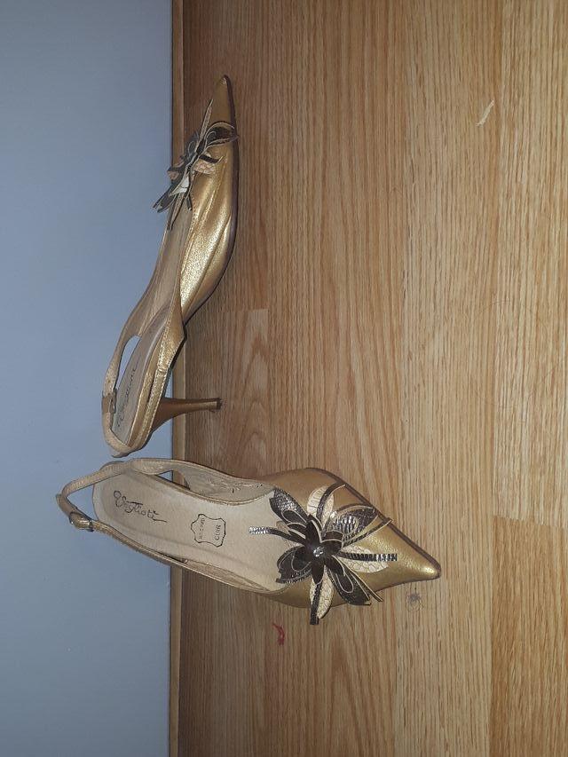 Chaussures avec petit talon