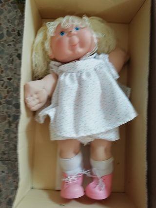 Muñecos sin nombre de Vicma
