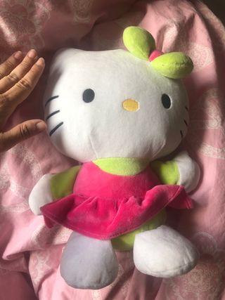 Muñeca peluche hello kitty