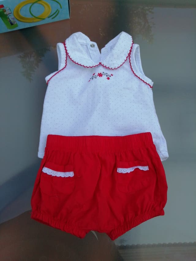 traje bebé