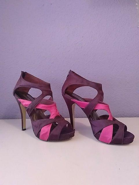 Sandalias tacón morado/rosa