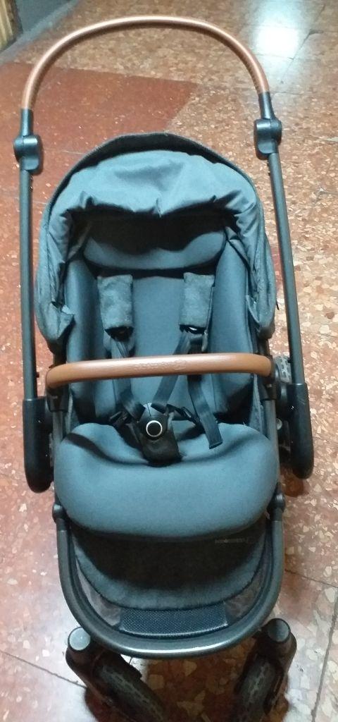 Carro bebé confort.
