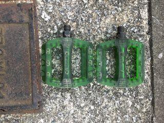 Pedales de palstico wellgo verdes
