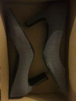 zapatos con tacón