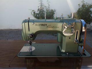 Máquina eléctrica de coser y bordar Refrey