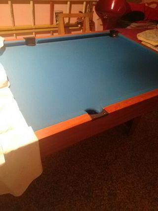 mesa de billar de seis abujeros