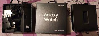 Caja Samsung Galaxy Watch 42mm con cargador