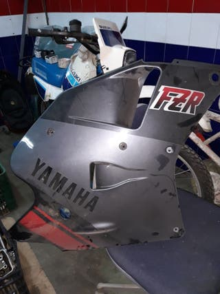 carenadoYAMAHA FZR