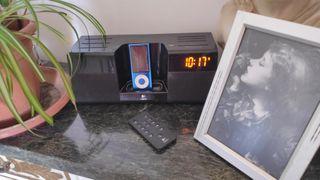 radio despertador altavoz + iPod 8gb