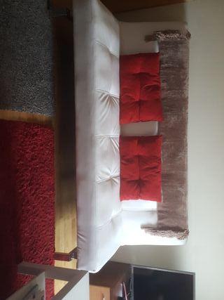 se vende sofá cama. polipiel como nuevo 130e