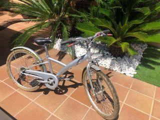 Bicicleta plateada