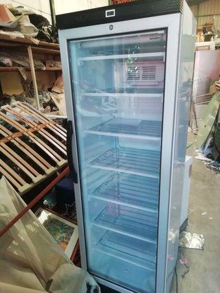 Congelador vertical nuevo