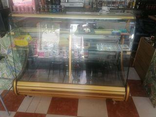 vitrina pastelera y refrigerada