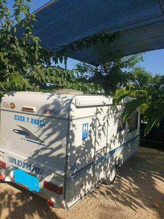 Caravana Adriá altea 390dk