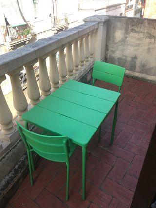 Mesa jardin o terraza con dos sillas