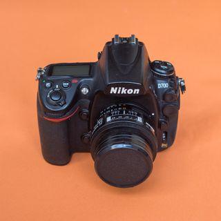Nikon D700 + Objetivo AF Nikkor 24mm 1:2.8