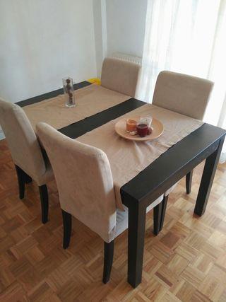 conjunto mesa sillas salon Bjursta