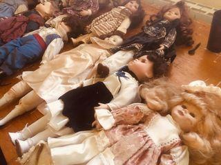 Muñecas antiguas de porcelana.